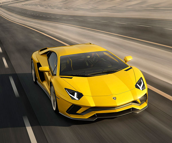 Lamborghini-Aventador-S-2018